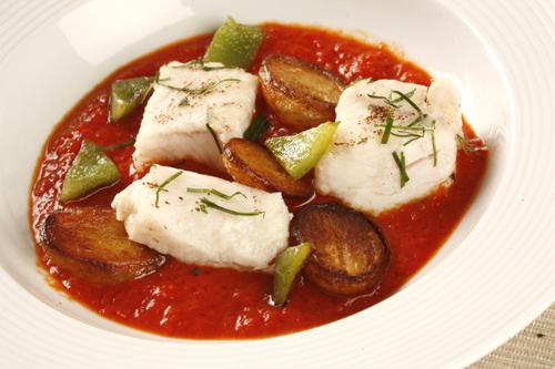 Modern marmitako – paprikás krumpli hallal