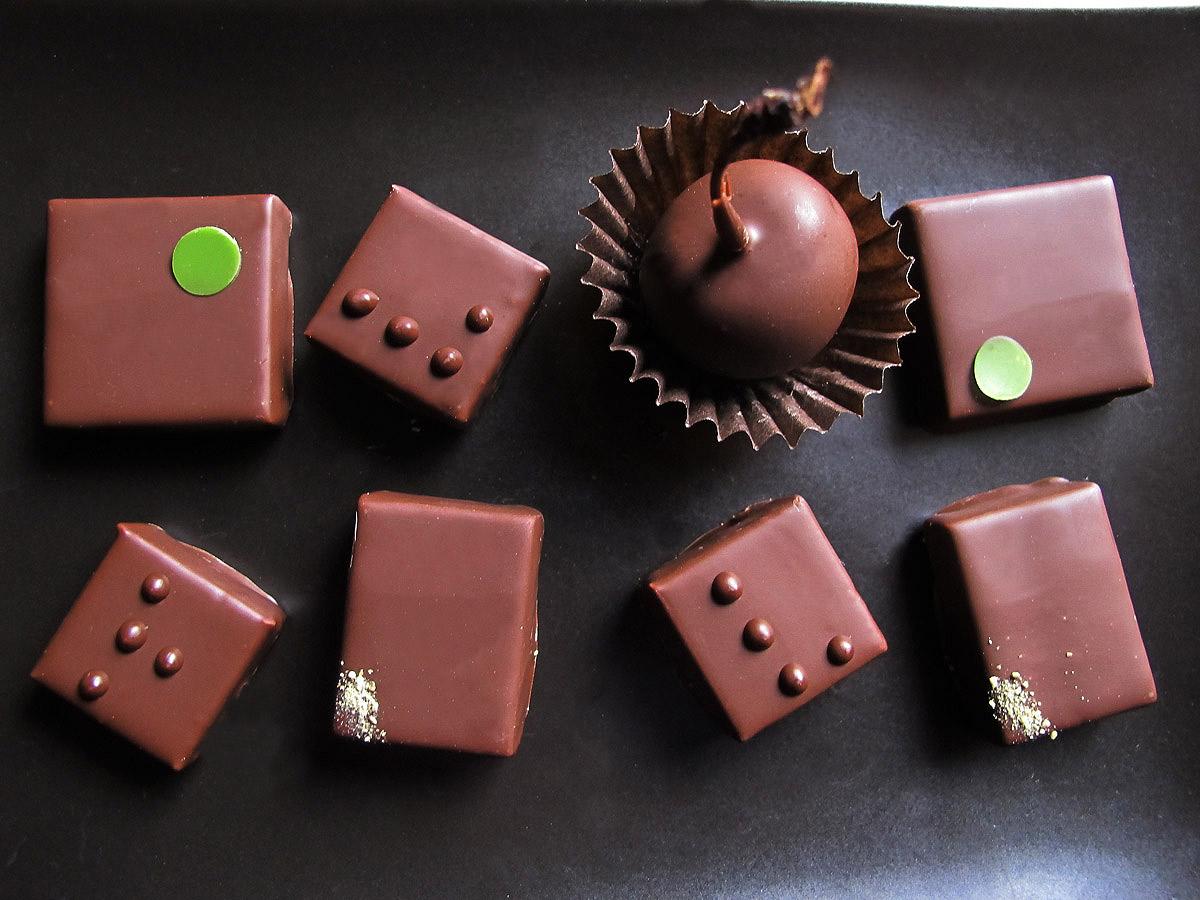 Egy csepp csokoládé – a kakaóbabtól a súlyos testi sértésig